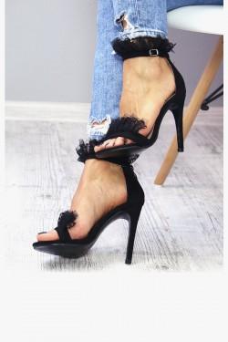 Zamszowe Czarne Sandały z Koronką 7326