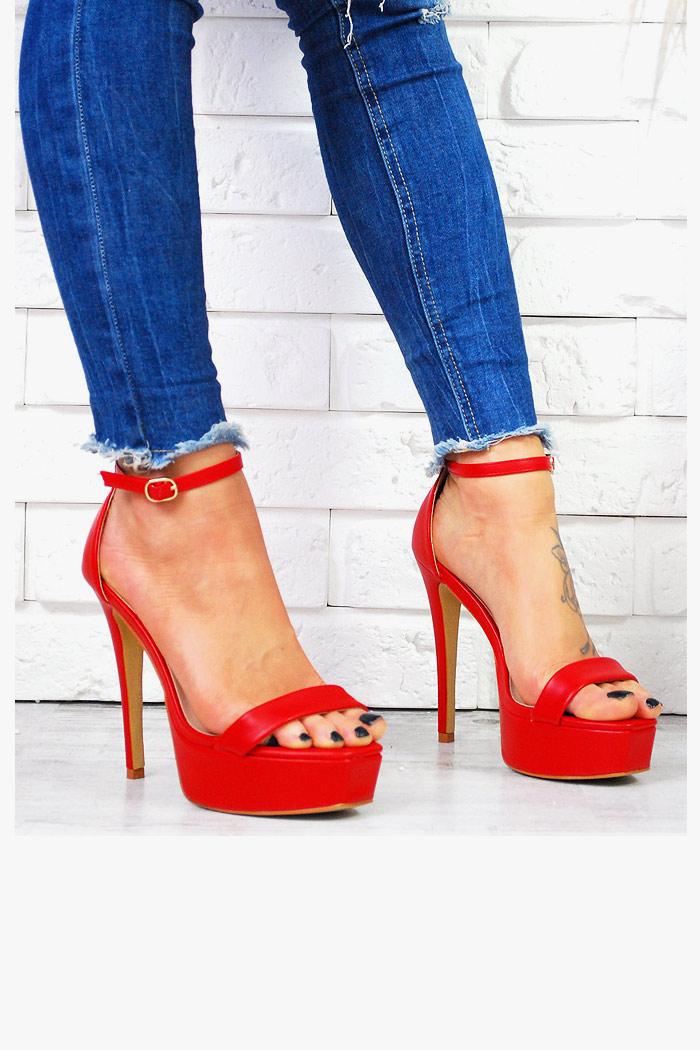czerwone sandały obcasy platforma