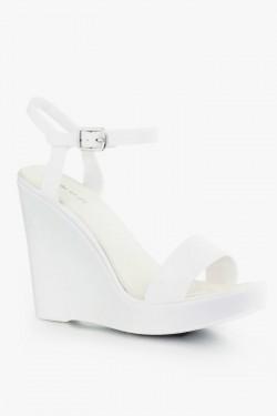 Sandały na koturnie Maddie White