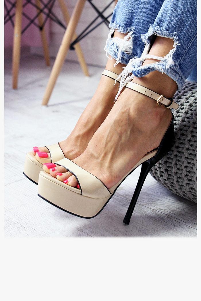 Sandały Beżowo-Czarne Lakierowane Smukła Szpilka
