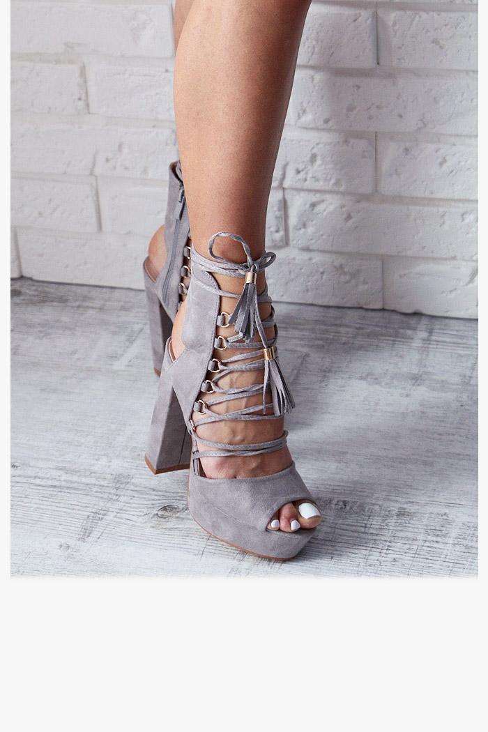 sandały damskie wiązane na kostce