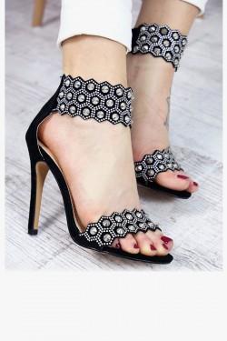 Czarne Sandały ze Srebrną Obrożą 7400