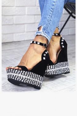 Czarne Sandały na Koturnie Lakierowane 7328