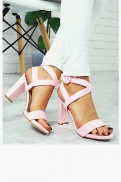 Zamszowe Różowe Sandały Słupek 7711