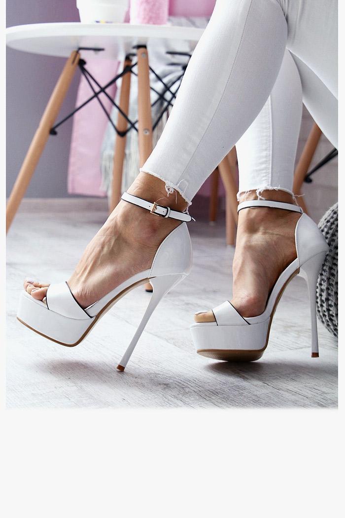 Lakierowane Białe Sandały na Szpilce 3052