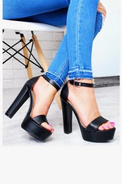 Klasyczne Czarne Sandały na Słupku 7586