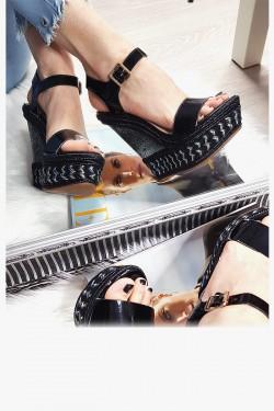 Czarne Sandały na Mega Koturnie 8260