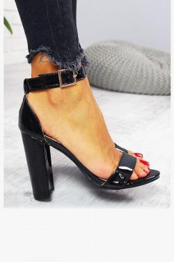 Sandały Lakierowane Czarne Proste na Słupku 7789